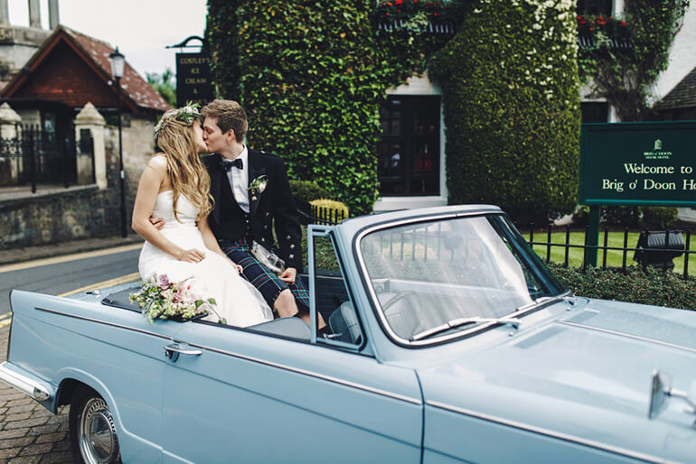 TOP TIPS FOR CHOOSING A WEDDING VEHICLE